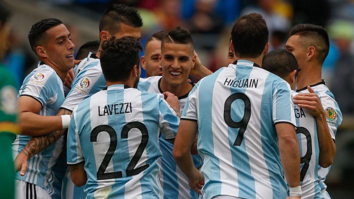 Argentina termina con campaña perfecta tras golear a Bolivia