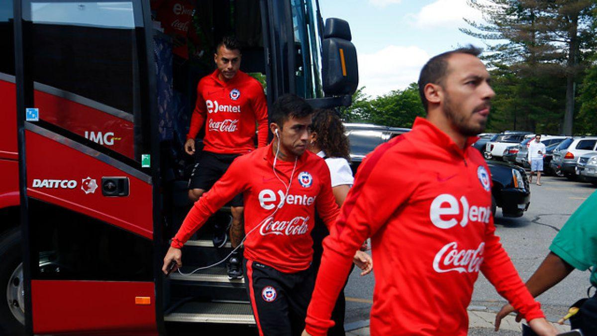 """""""La Roja"""" llega a San José para preparar duelo ante México con tema de los premios resueltos"""