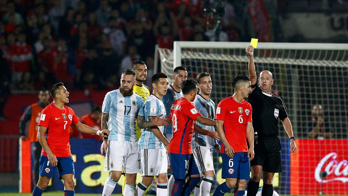 Árbitro brasileño dirigirá duelo de cuartos entre Chile y México
