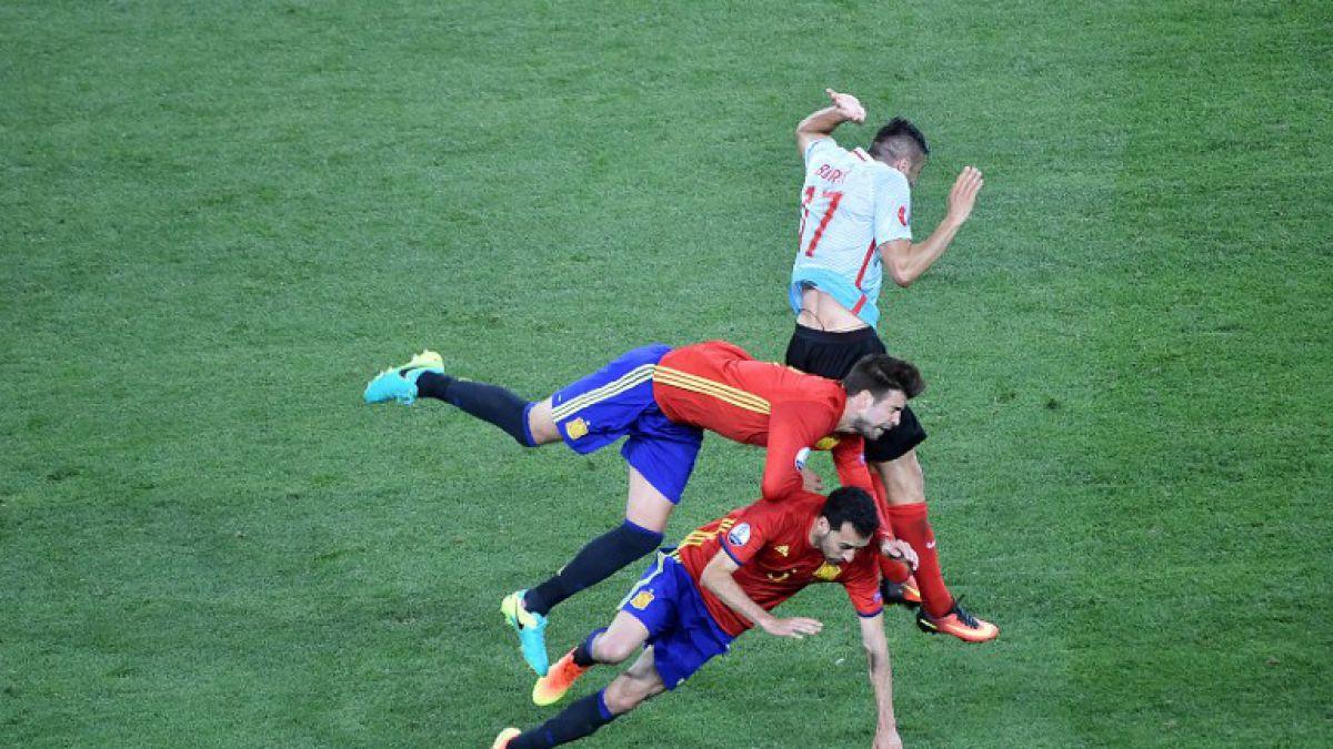 El fuertísimo choque entre Piqué y Busquets que dejó impactada a toda España en la Euro 2016
