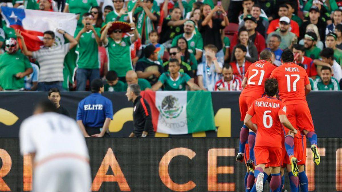 """[VIDEO] De alegría a desazón: el relato del locutor mexicano ante el 7-0 de """"la Roja"""""""