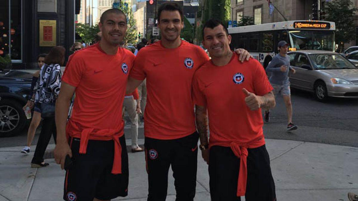 """Jugadores de """"La Roja"""" recorren Chicago a la espera del duelo frente a Colombia"""