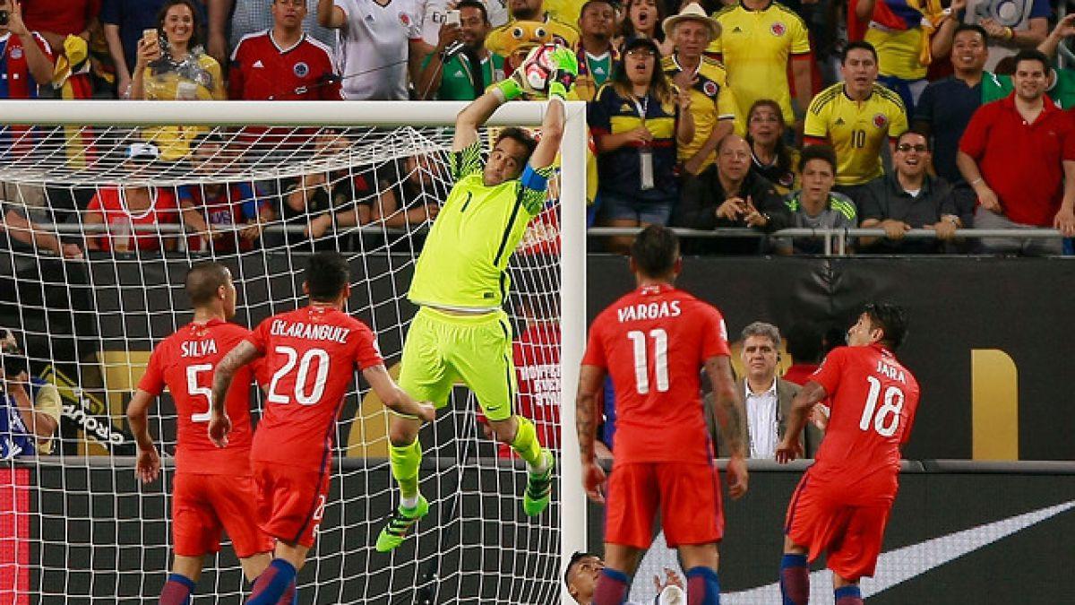 """Bravo luego del triunfo ante Colombia: """"Nos vamos felices por el logro de una nueva final"""""""