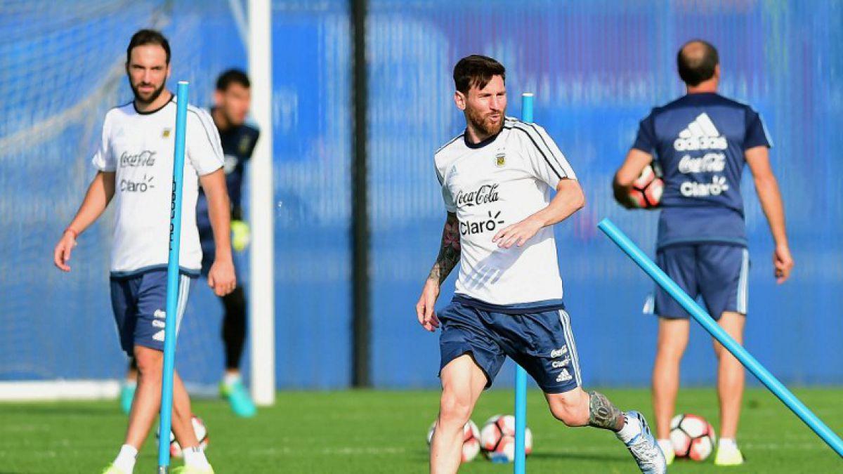 Con Messi a la cabeza: Así formaría Argentina para la final ante La Roja