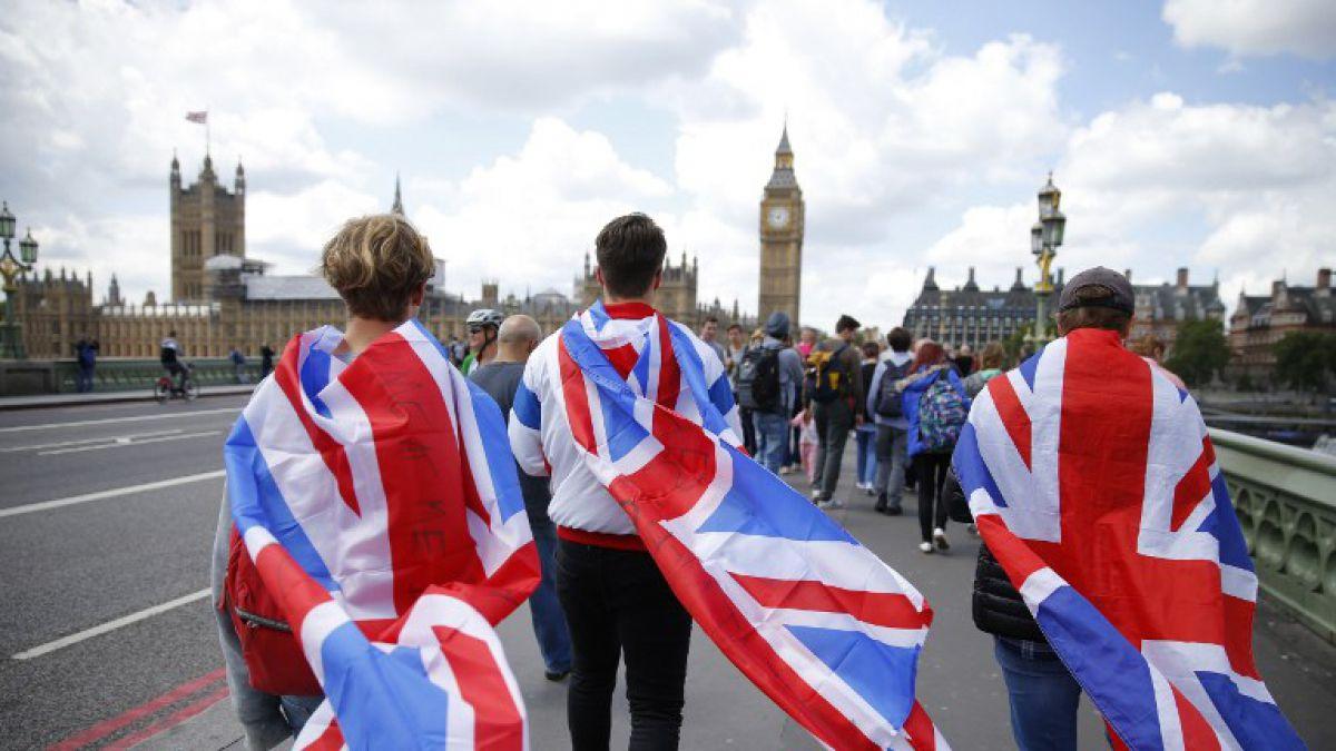 Economistas prevén desplome económico en Reino Unido tras triunfo del Brexit