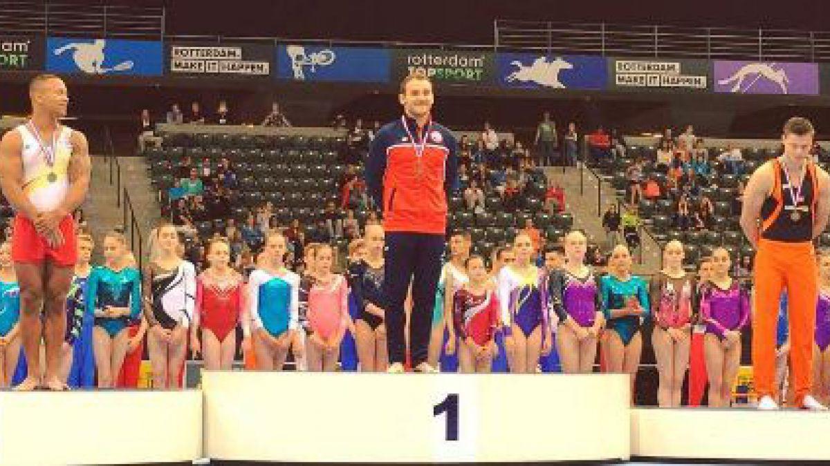 Tomás González gana medalla de oro en suelo en campeonato en Holanda