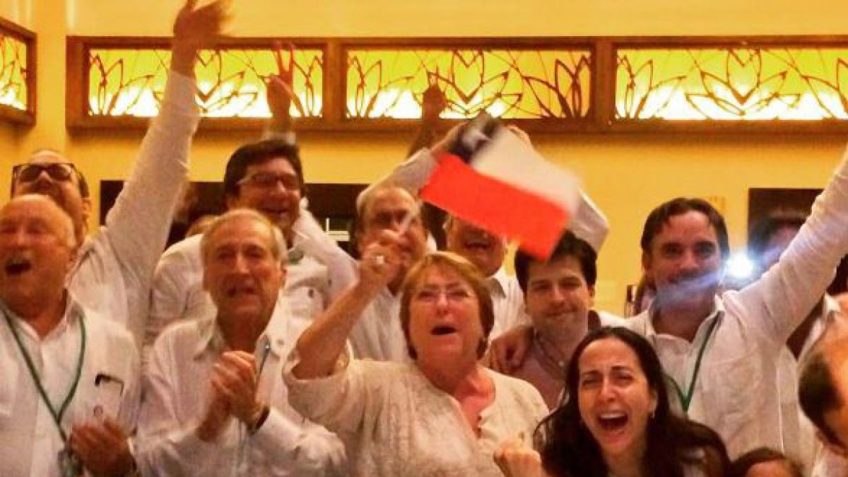 Presidenta Bachelet festeja a Chile por su triunfo en la Copa Centenario