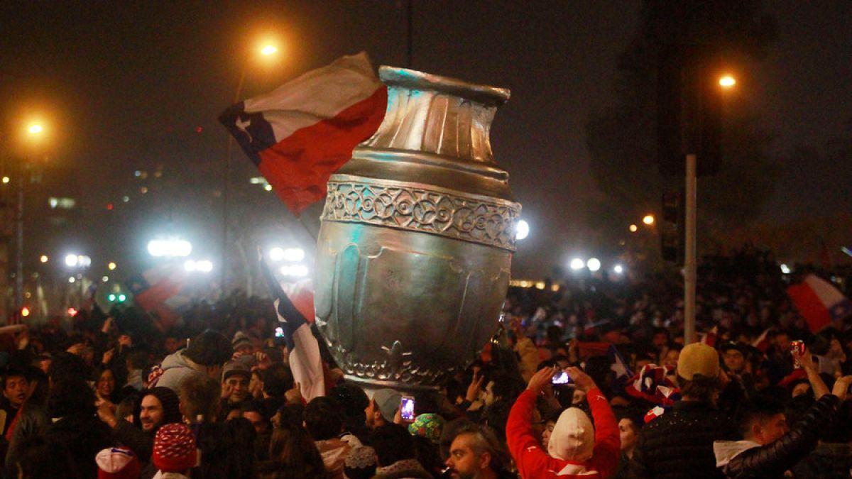 De norte a sur: Todo Chile vibra con el triunfo de La Roja