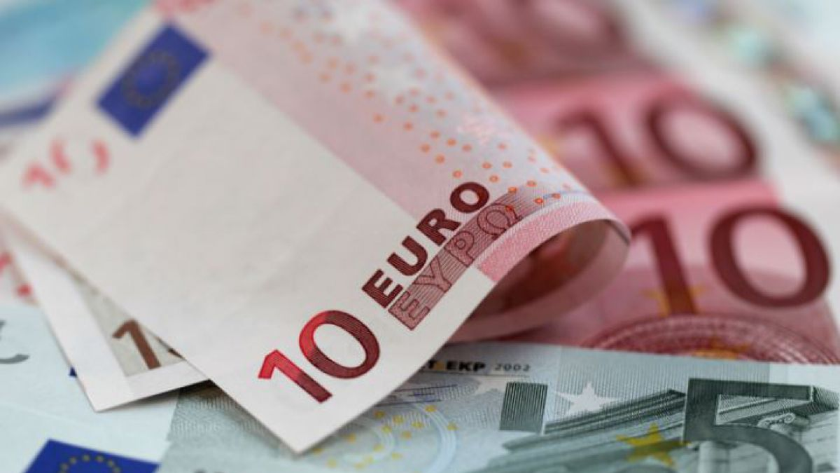 La desconfianza hacia las monedas europeas se prolonga