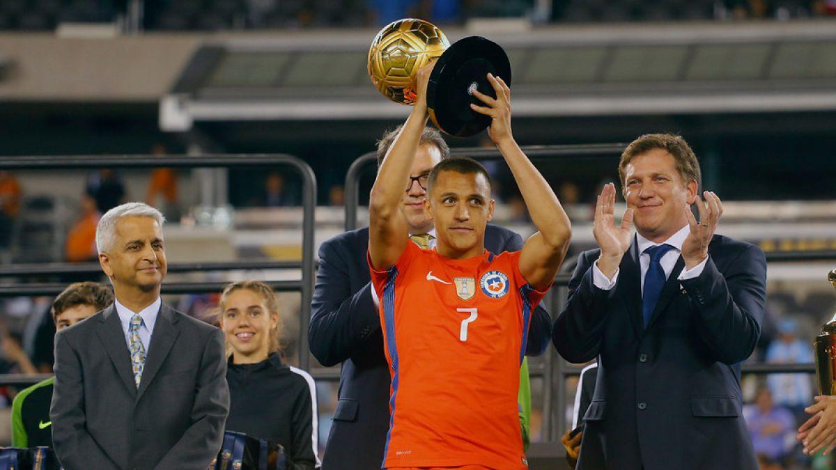 El espontáneo chilenismo de Alexis Sánchez tras ganar el premio al mejor jugador