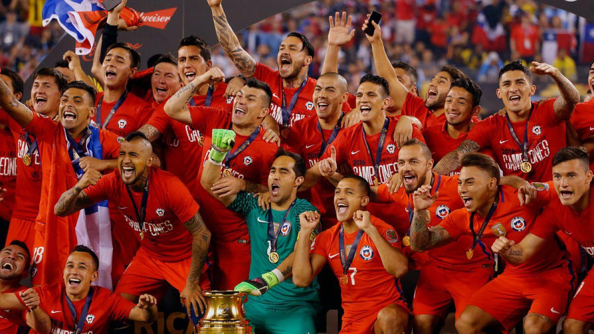 Menotti elogia campeonato de Chile y no cree que Messi deje de jugar en la selección