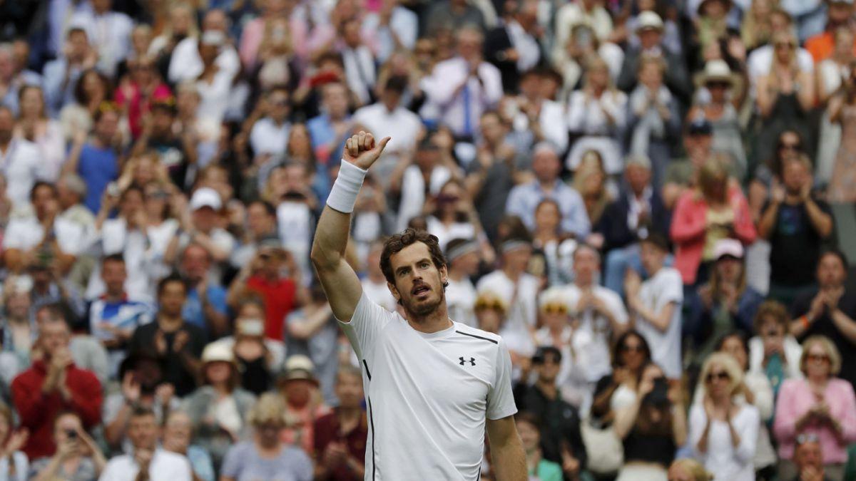Murray clasifica en jornada de Wimbledon marcada por la lluvia
