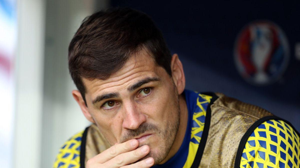 """¿Se despide? Casillas insinúa con escena de """"Rambo"""" su adiós de la selección española"""
