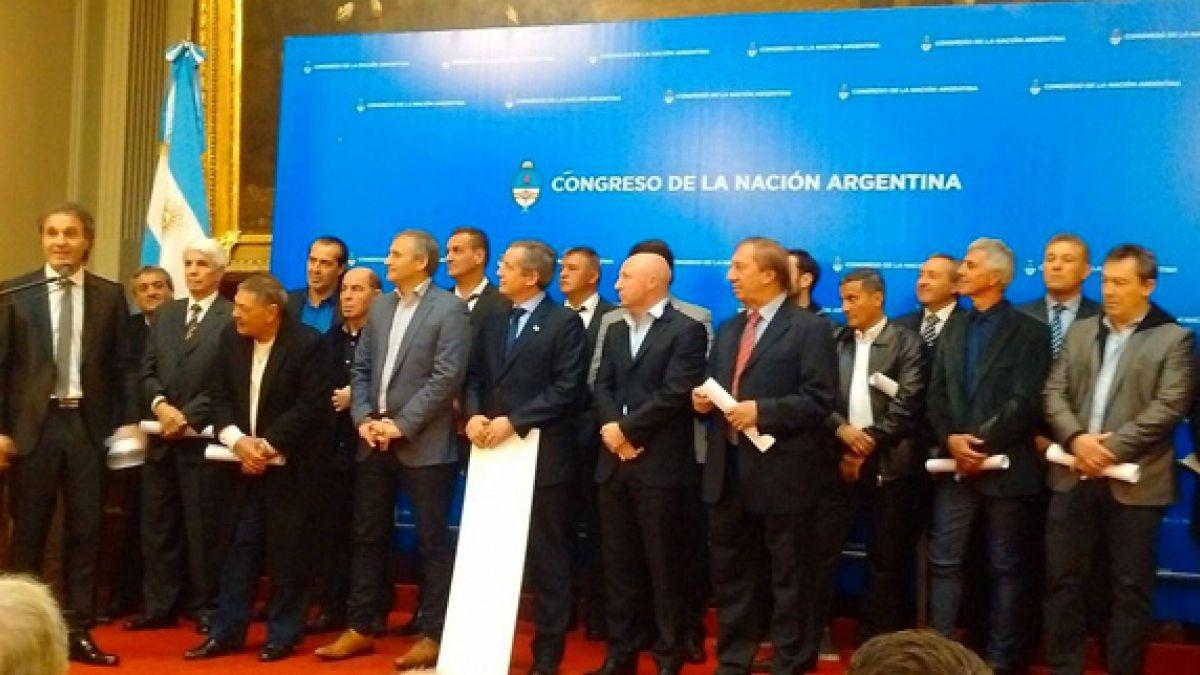 Campeones de México 1986 recuerdan 30 años del hito rogando a Messi