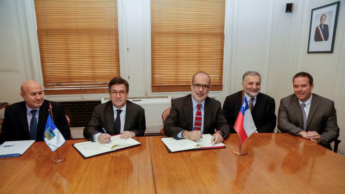 Chile firma préstamo por US$ 120 millones para ampliar oferta a crédito a la micro y mediana empresa