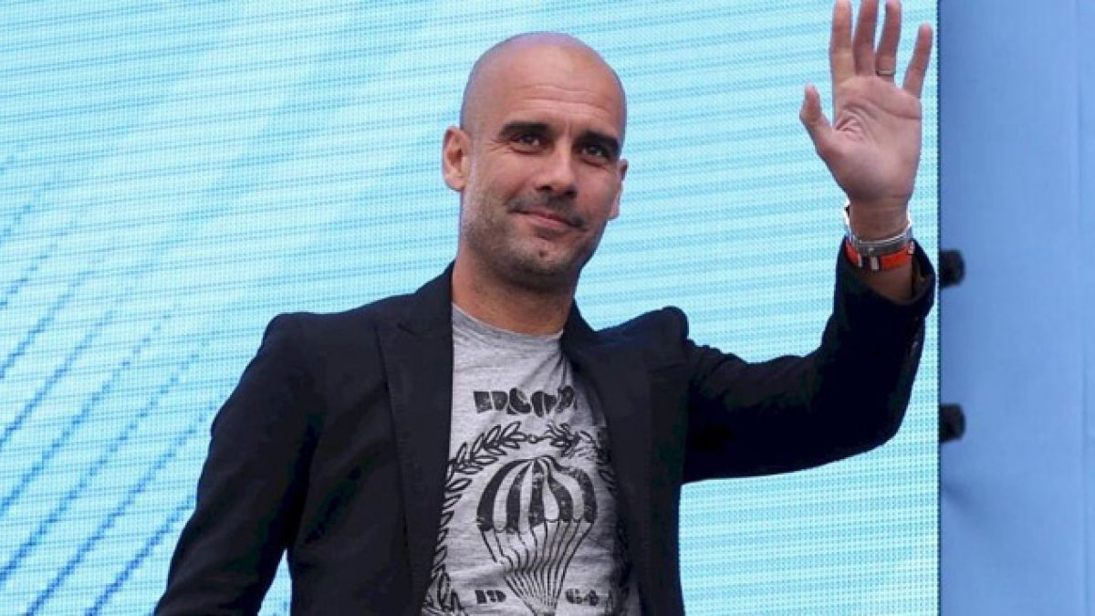 Guardiola se presenta ante los aficionados como nuevo entrenador de Manchester City