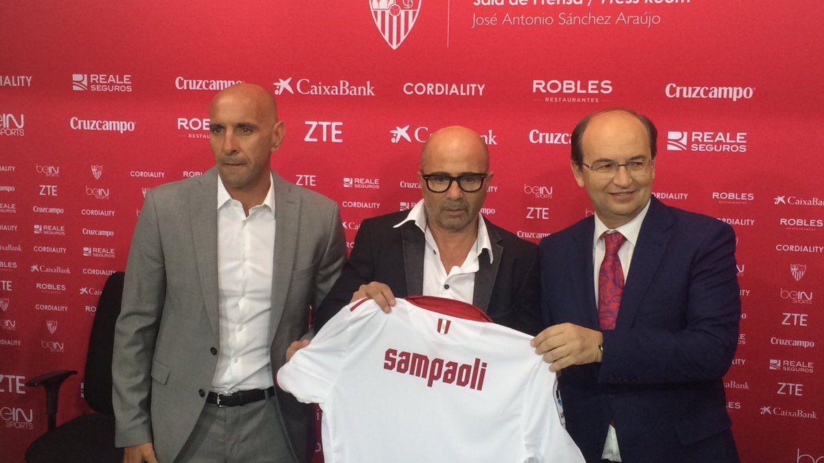 Jorge Sampaoli fue objeto de las burlas en Sevilla por una falta ortográfica en su tatuaje