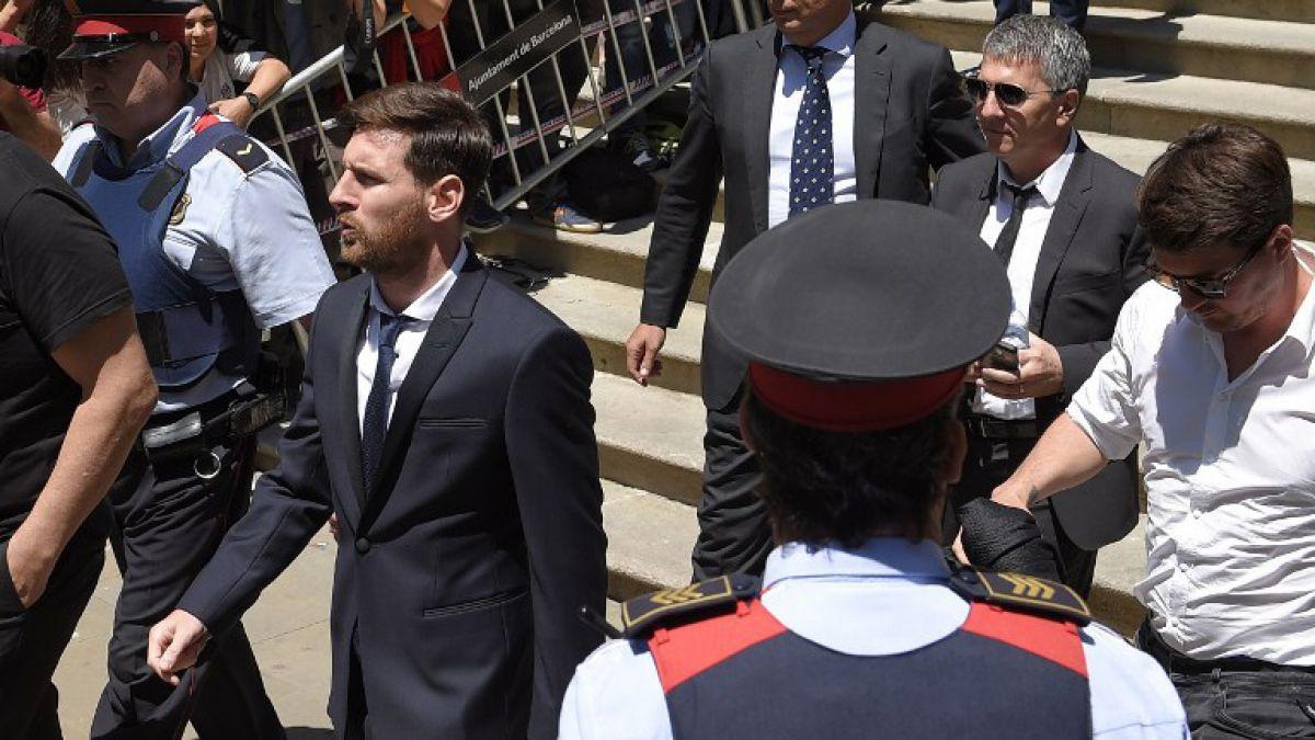 Barcelona da todo su apoyo a Lionel Messi por condena por fraude fiscal