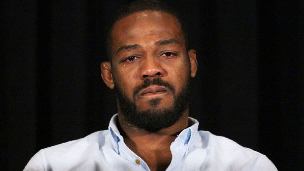 Luchador Jon Jones fue excluido del UFC 200 por un doping positivo