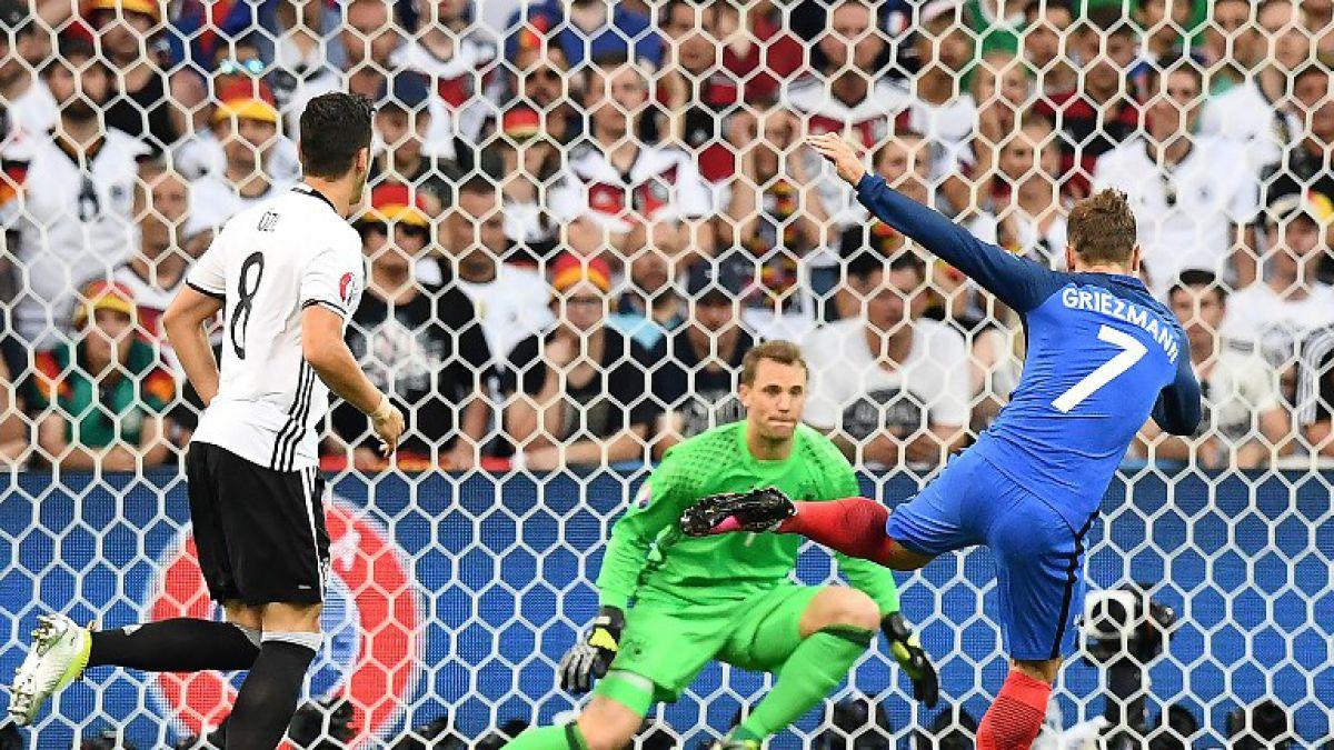 La notable atajada de Manuel Neuer ante el remate de Griezmann en la semifinal de la Euro