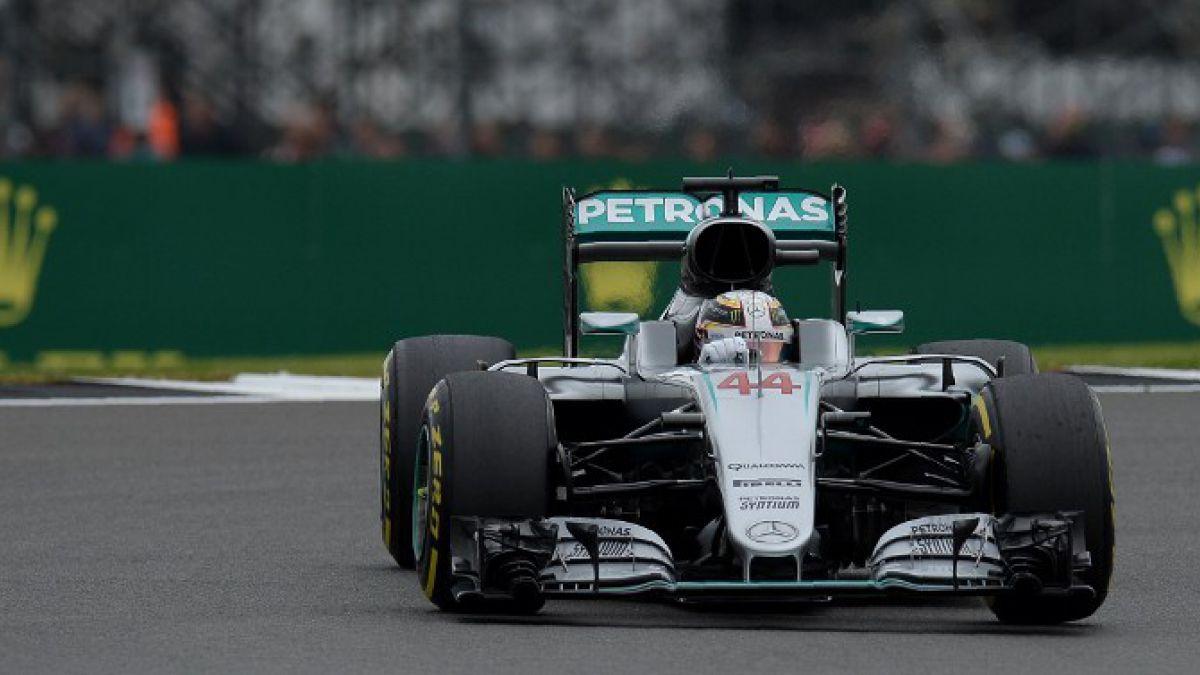 Lewis Hamilton junto a Mercedes logra la pole en el GP de Gran Bretaña