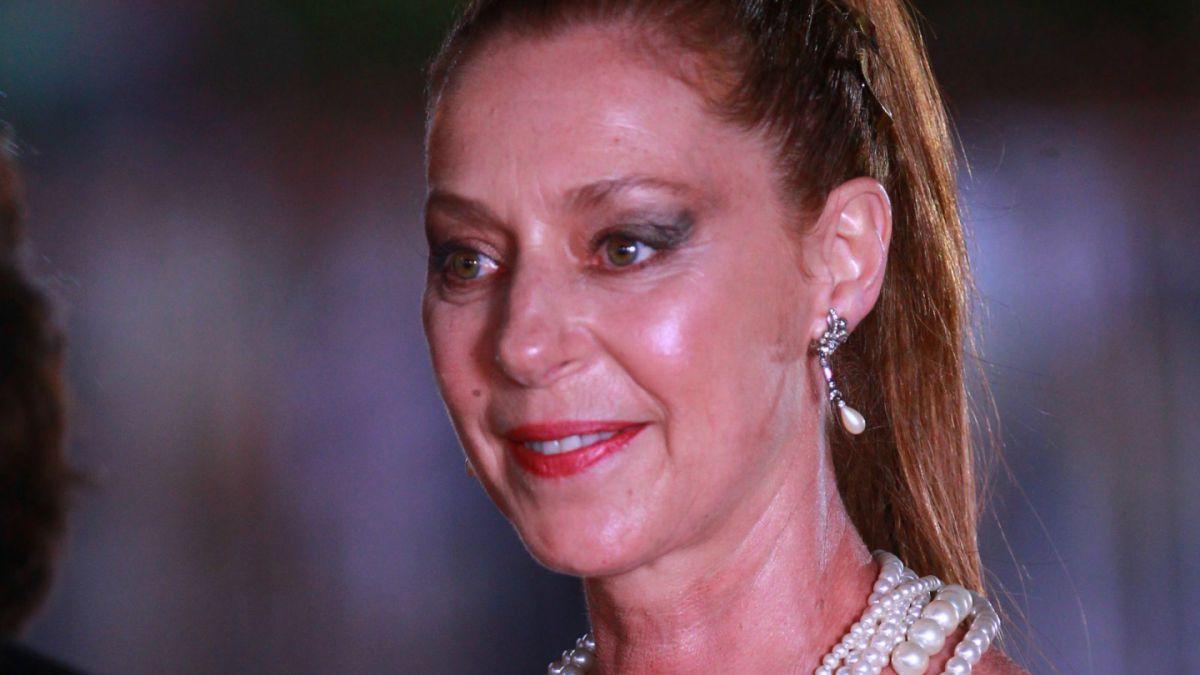 La actriz Claudia di Girolamo fue víctima de un portonazo ...