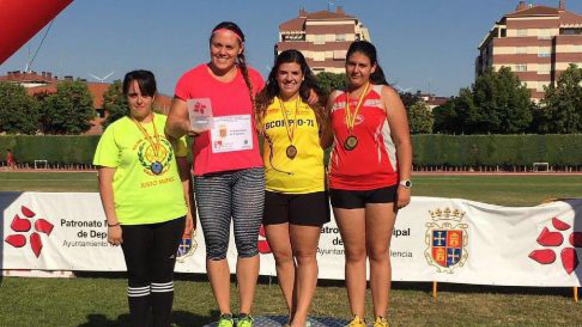 Natalia Duco logra medalla de oro en España y consigue su mejor registro de la temporada