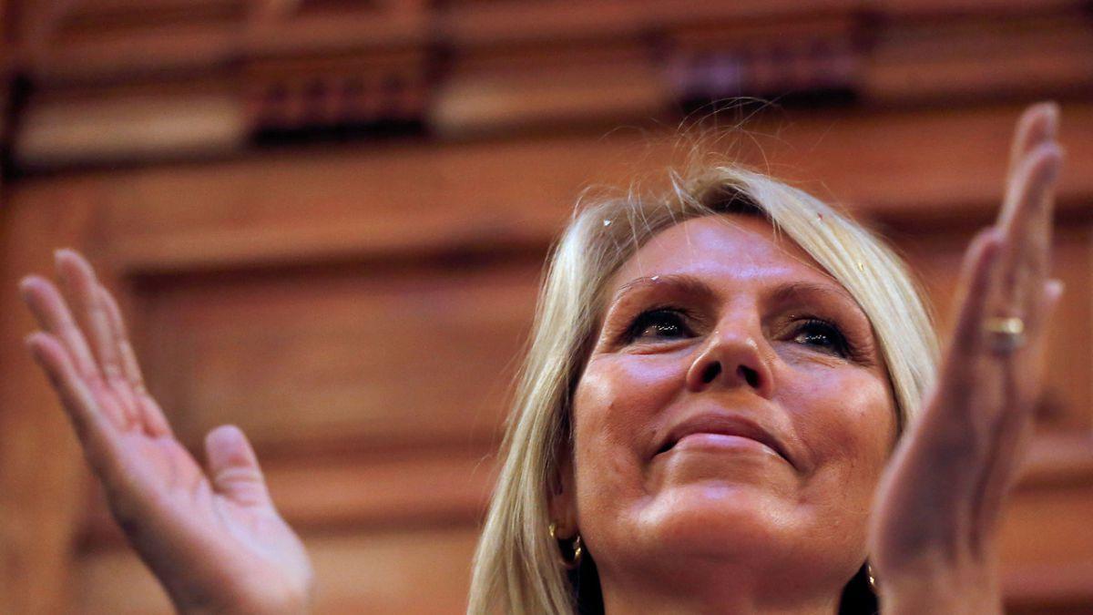 Lily Pérez asume presidencia de Amplitud y partido acuerda llevar candidato propio a primera vuelta