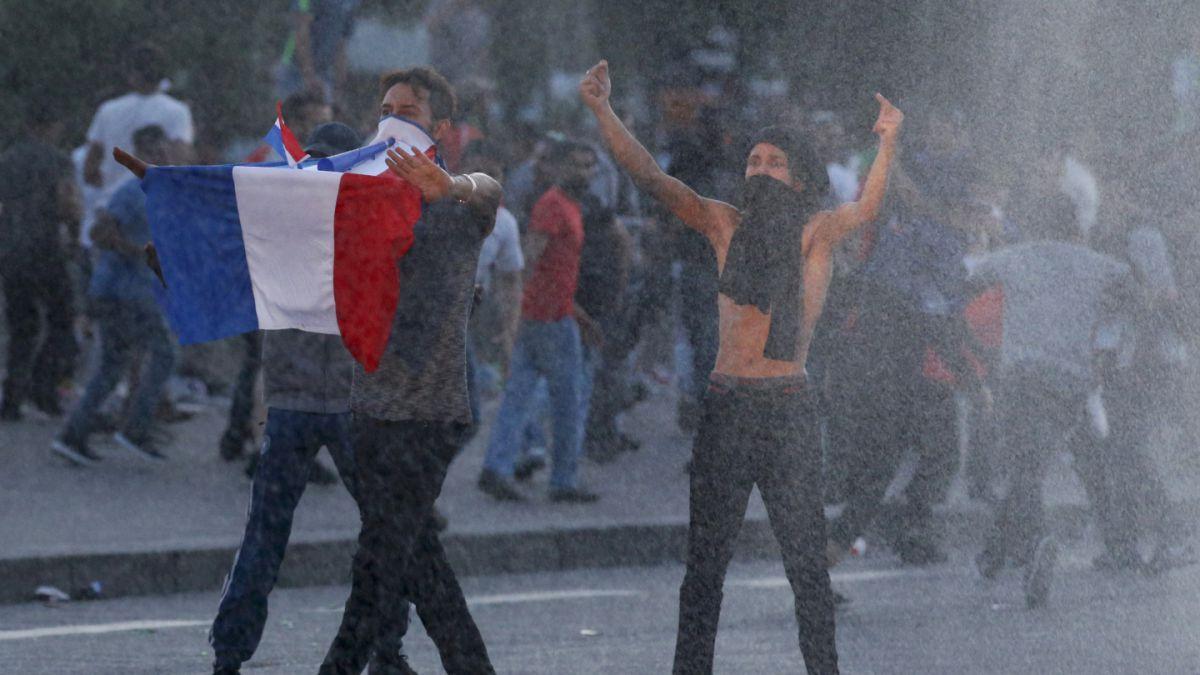 Incidentes se registraron junto a la fanzone de París al pie de la Torre Eiffel