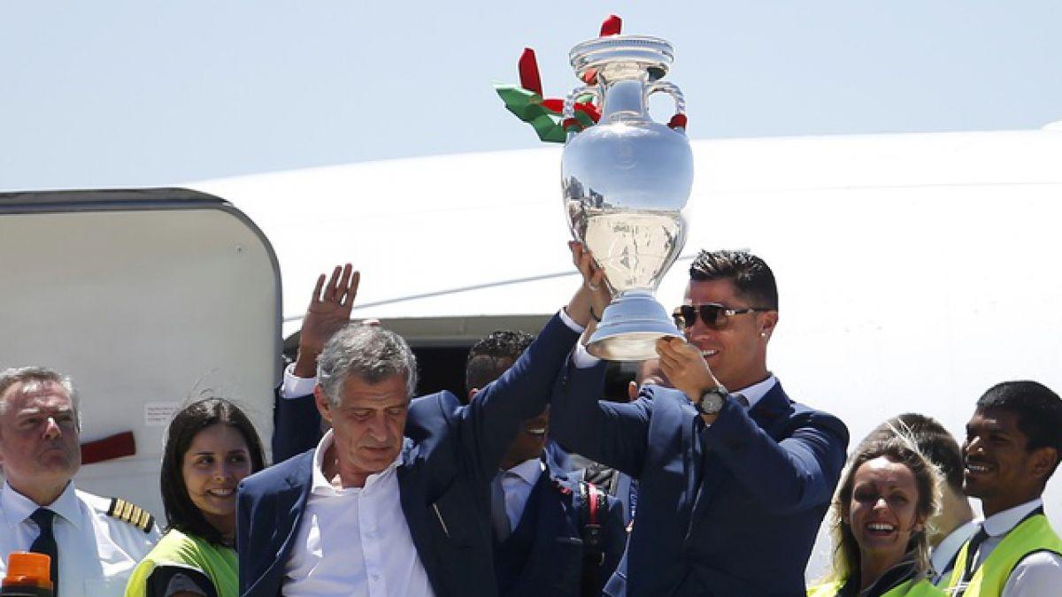 [VIDEO] Locura en Portugal: Reciben a Cristiano Ronaldo y a su selección como héroes
