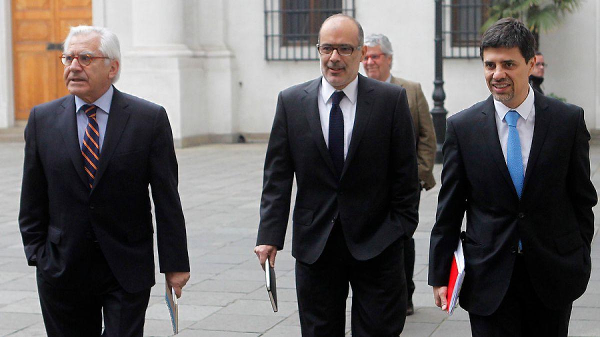 Presidenta Bachelet pidió a ministros ayudar a Valdés en presupuesto más restrictivo