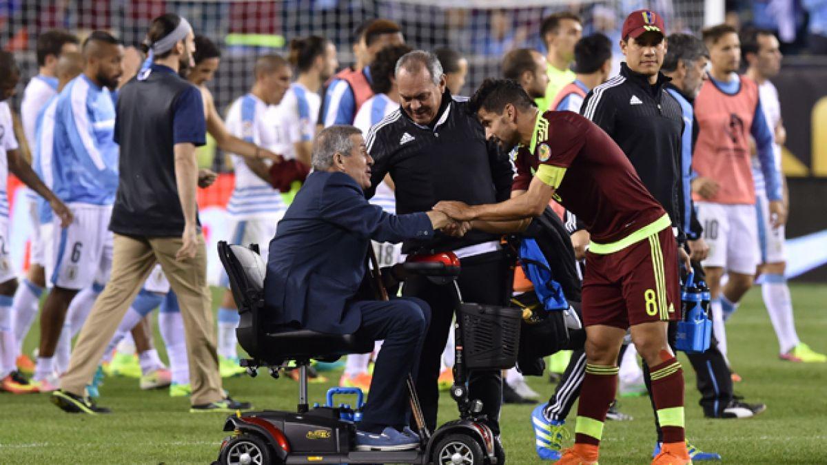 Enfermedad complica el futuro de Óscar Washington Tabárez