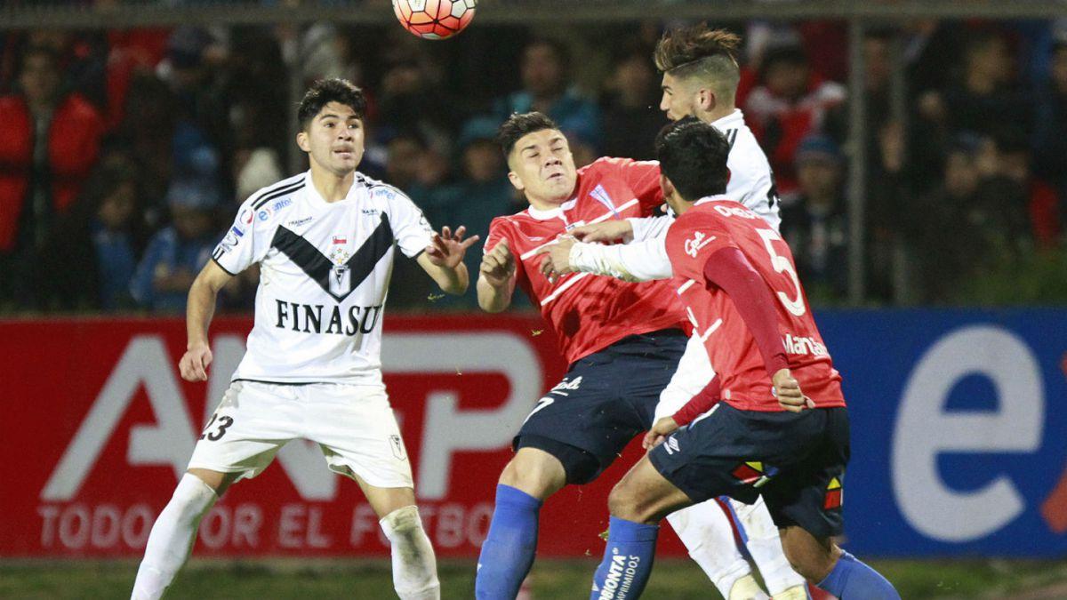 Universidad Católica sale a remontar llave ante Santiago Morning en Copa Chile