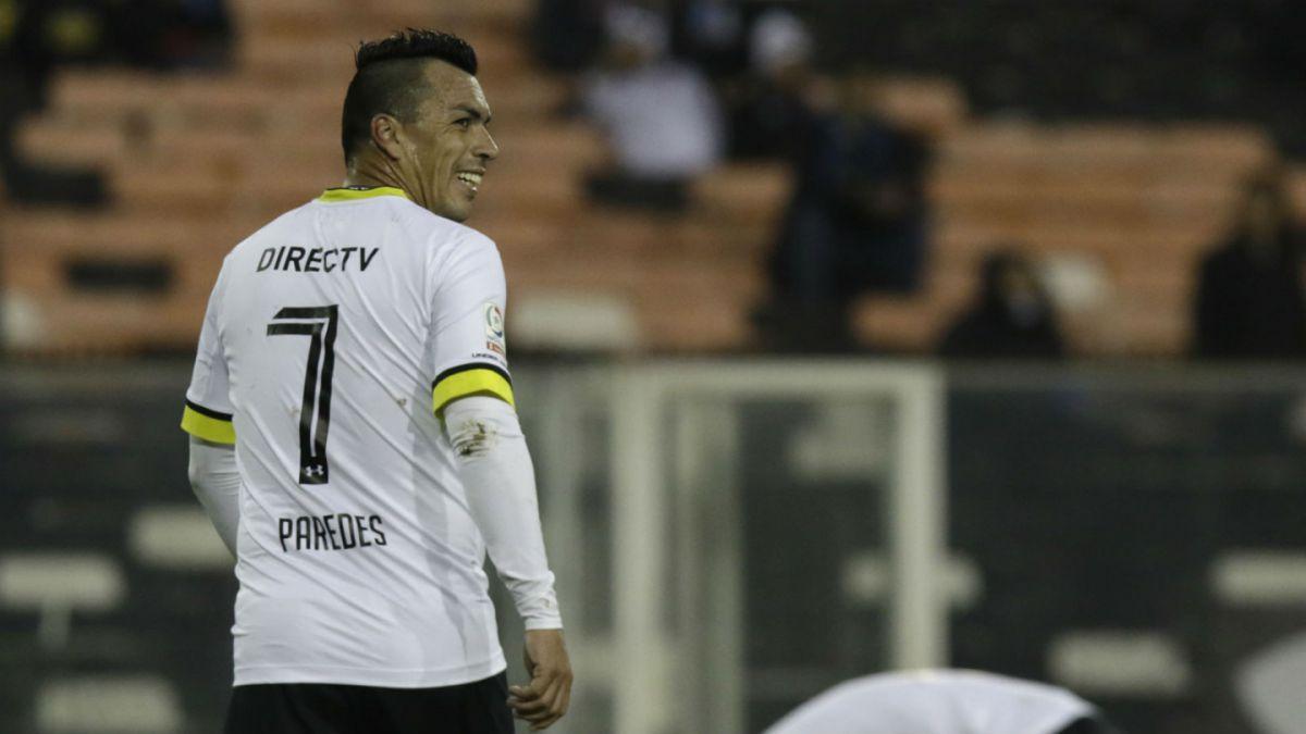 Colo Colo derrota a Ñublense y avanza en Copa Chile con gran actuación de Esteban Paredes