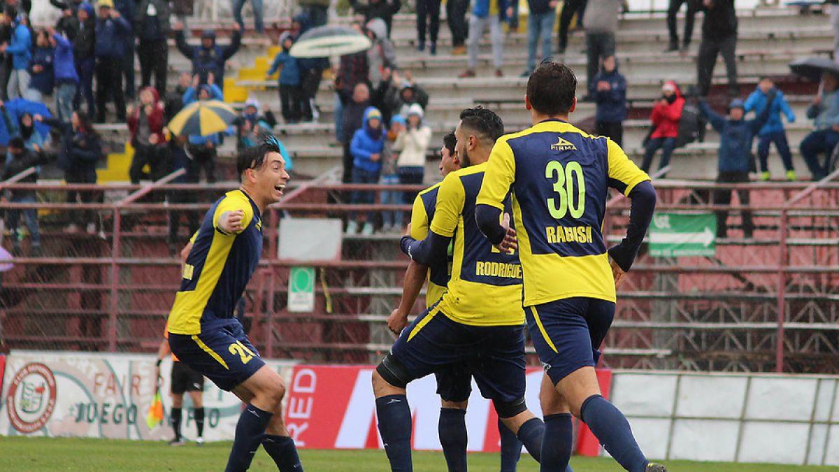Everton avanzó en Copa Chile tras vapulear a Unión San Felipe