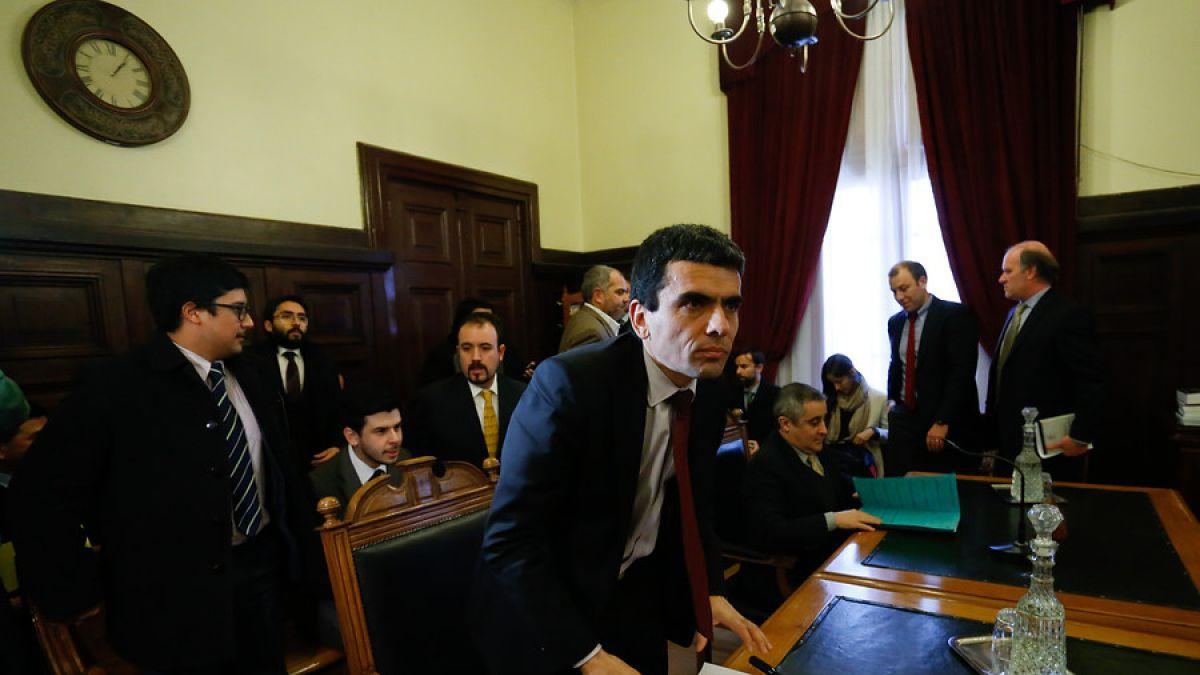 Gajardo pide audiencia de formalización para ex ejecutivos de Arcano e incluye a Santiago Ruiz