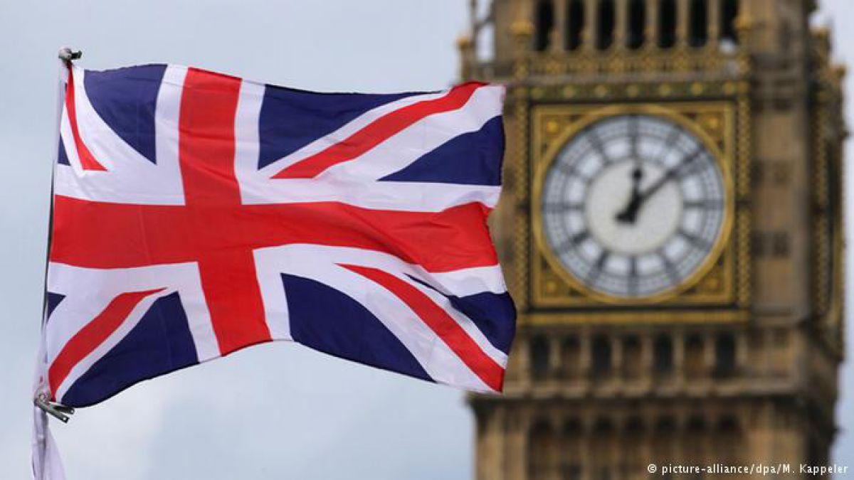 """Estudio: economía británica retrocede a raíz del """"brexit"""""""