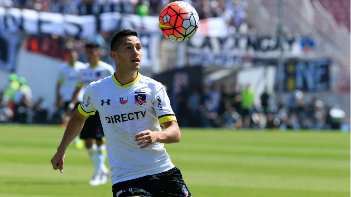 Juan Delgado deja Colo Colo y llega a equipo de la Segunda División de España