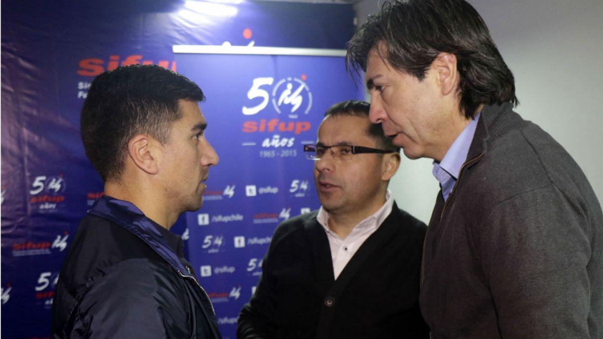 Asambleas del Sifup y la ANFP determinan futuro del paro del fútbol chileno