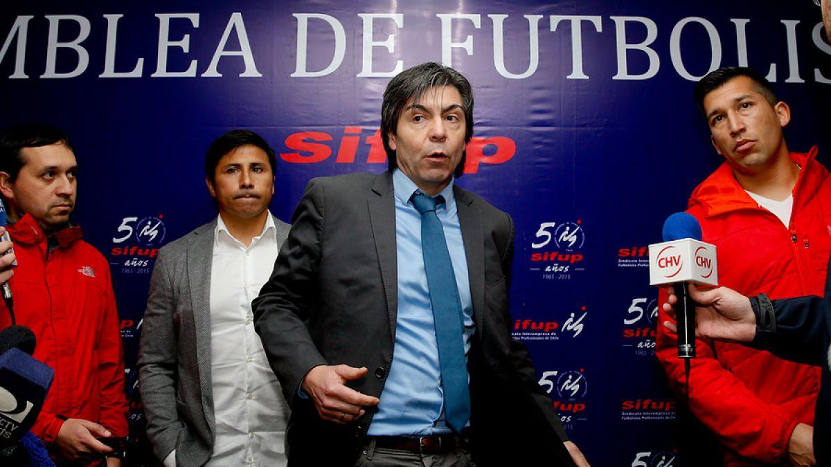 Sifup anuncia acuerdo unánime y se pone fin al paro del fútbol chileno