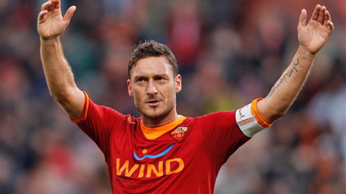Francesco Totti dispara con todo ante el anuncio del traspaso de Gonzalo Higuaín a Juventus