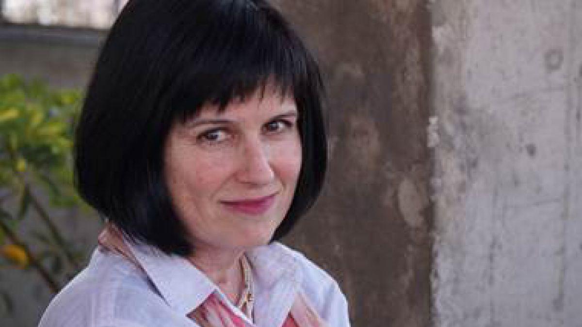 Mineduc pidió renuncia a Roxana Pey