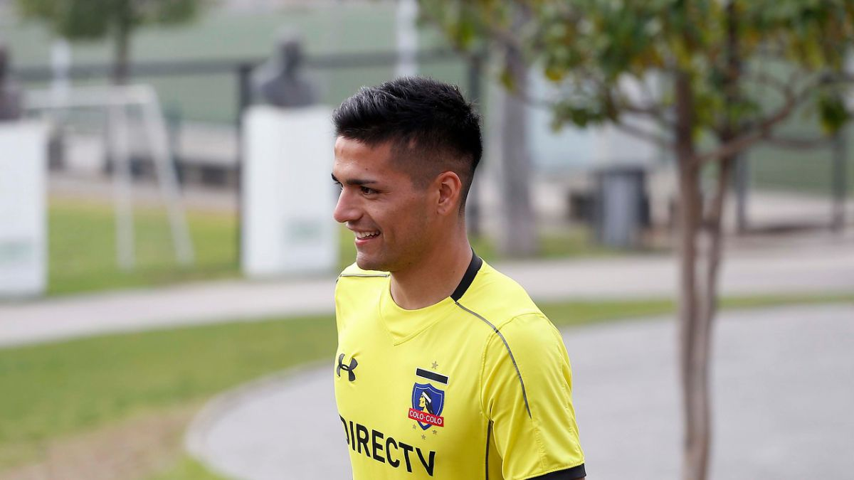 """Felipe Campos tras ser presentado en Colo Colo: """"Voy a aportar fuerza y garra"""""""