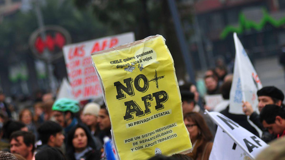 Vocero de No+AFP y carta de José Piñera: Es una sorpresa que genera indignación, rabia y risa