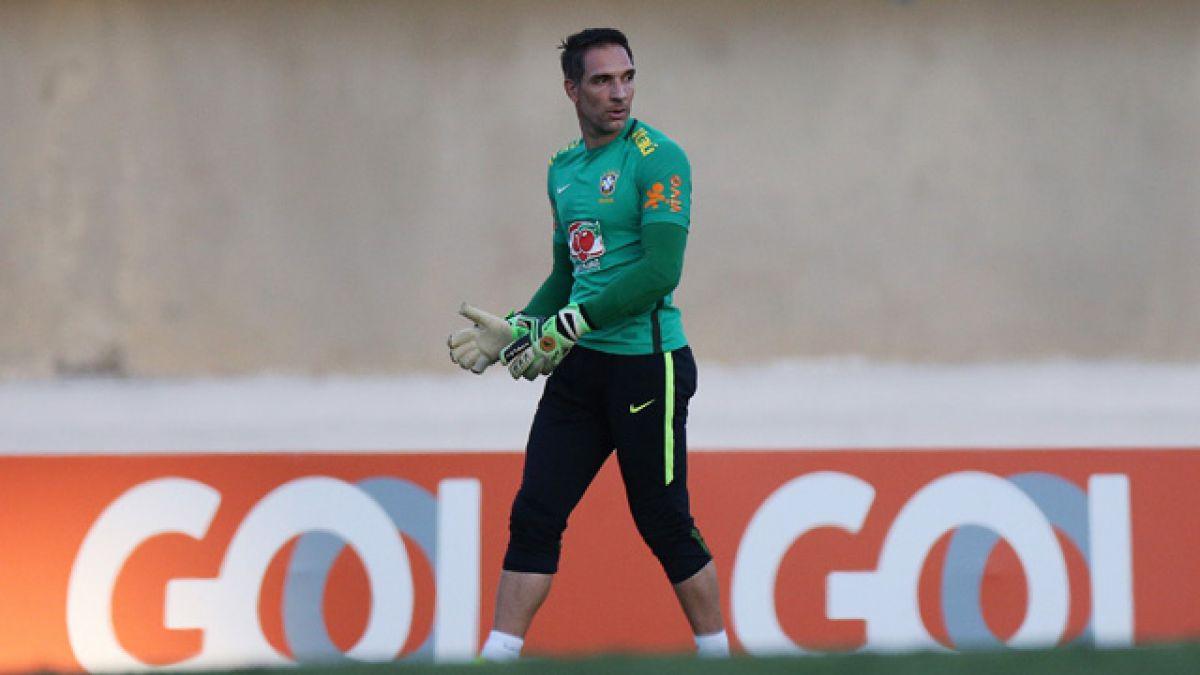Arquero Fernando Prass fuera de selección olímpica de Brasil por lesión