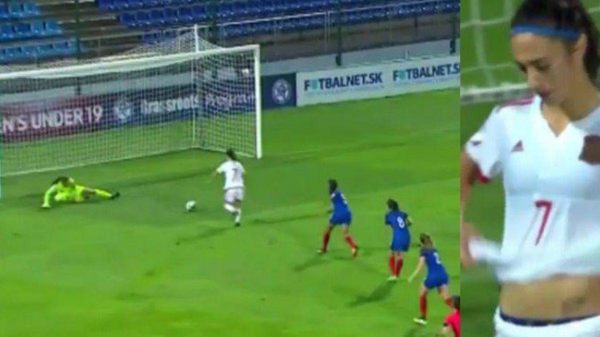 [VIDEO] Jugadora española se pierde el gol más increíble del año y es blanco en las redes sociales