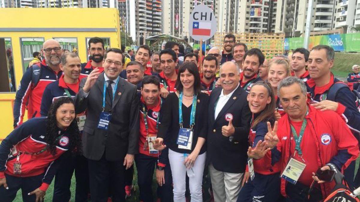 Bandera de Chile ya flamea en los Juegos Olímpicos de Río 2016
