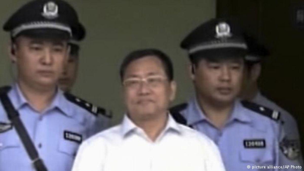 China condena a 7 años de cárcel al defensor de derechos humanos