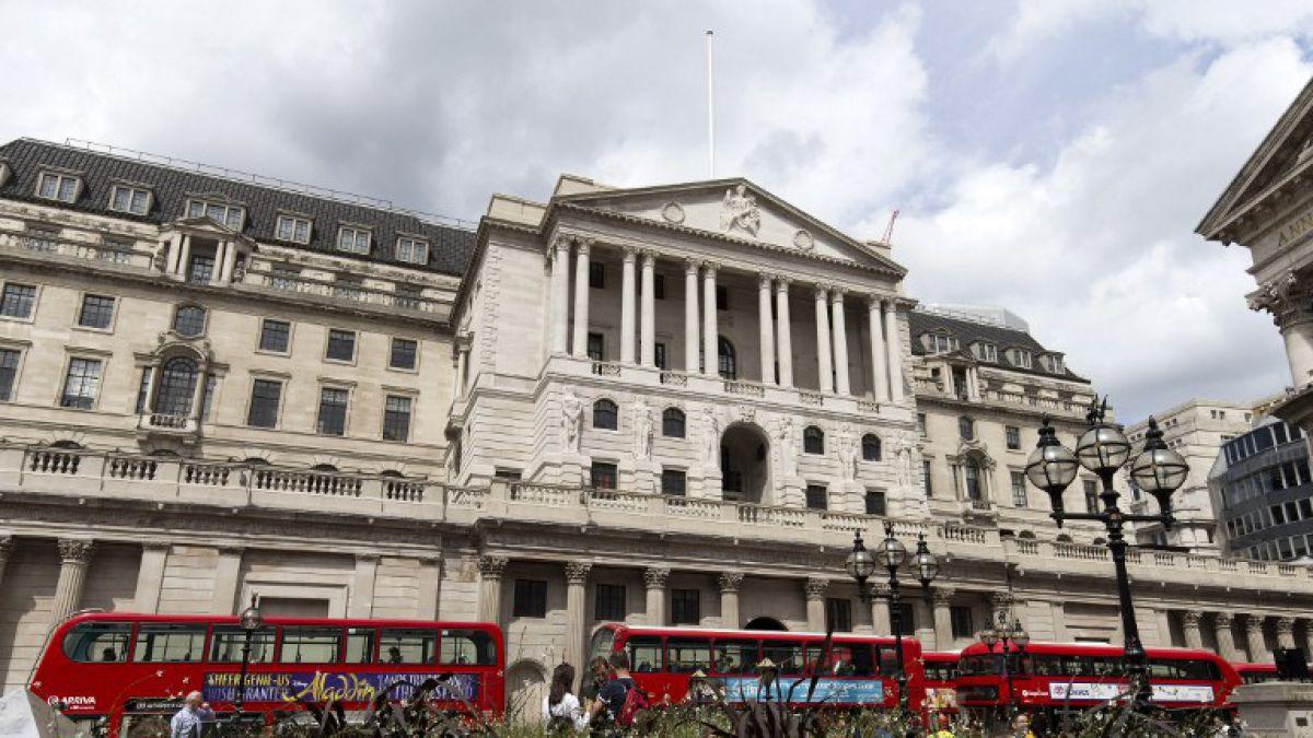 Banco de Inglaterra recorta tasa a nuevo mínimo histórico, por efecto Brexit