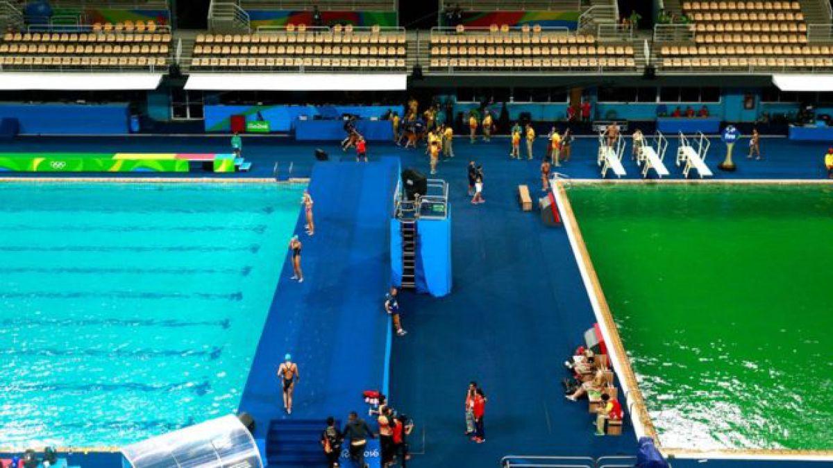 La piscina de polo acuático y la fosa de clavados tenían un tono muy diferente en las competencias de este martes en Río 2016.